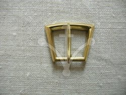 B-111 Belt or harness buckle